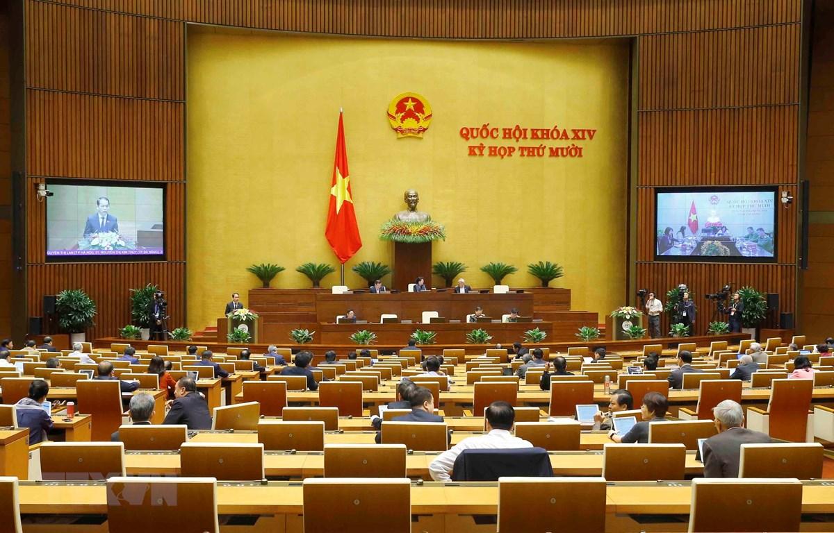 Luật Cư trú (sửa đổi) được thông qua tại Kỳ họp thứ 10, Quốc hội khóa XIV. (Ảnh: Doãn Tấn/TTXVN)