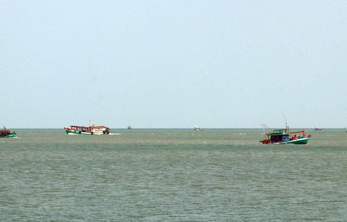 Tàu cá hoạt động trên vùng biển huyện đảo Kiên Hải (Kiên Giang). (Ảnh: Lê Huy Hải/TTXVN)