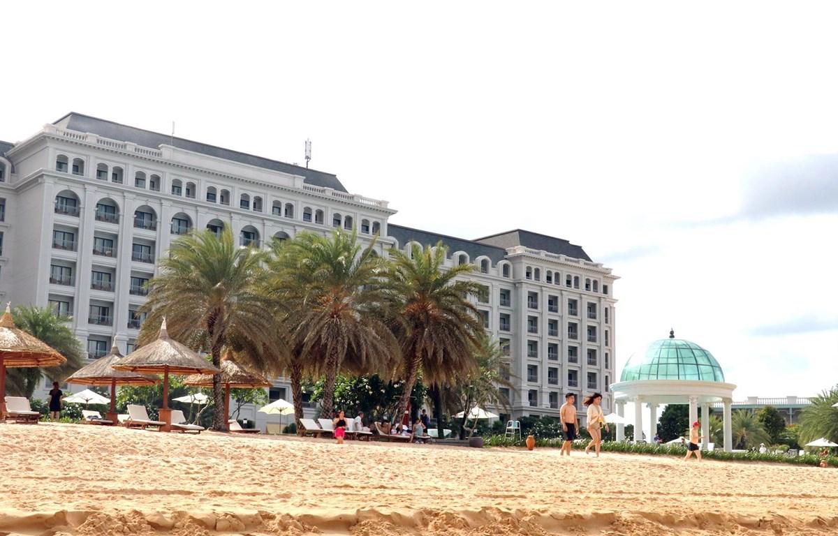 Khách sạn cao cấp tại khu Vinpearl Phú Quốc, xã Gành Dầu, huyện đảo Phú Quốc (Kiên Giang). (Ảnh: Lê Huy Hải/TTXVN)