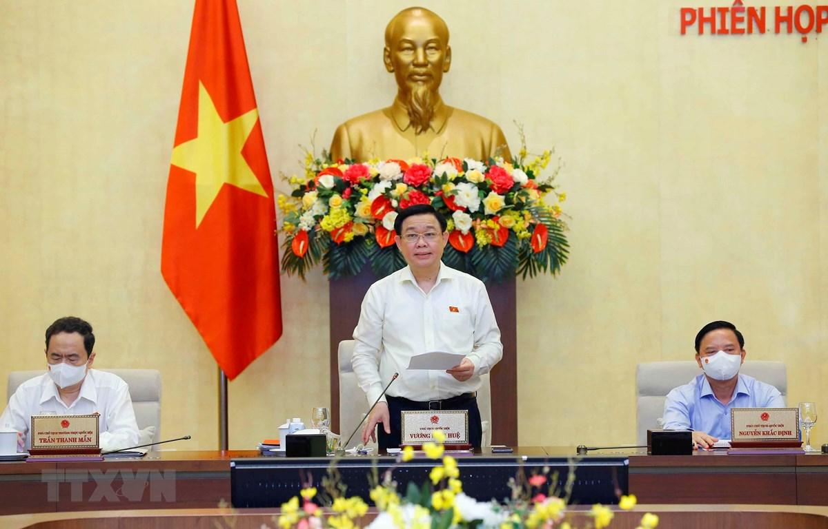 Chủ tịch Quốc hội Vương Đình Huệ phát biểu tại phiên họp thứ 2 Ủy ban Thường vụ Quốc hội. (Ảnh: Doãn Tấn/TTXVN)