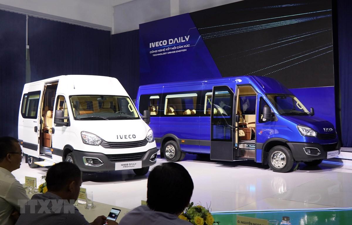 THACO Trường Hải giới thiệu dòng xe Mini Bus IVECO DAILY tháng 10/2020. (Ảnh: Trần Tĩnh/TTXVN)