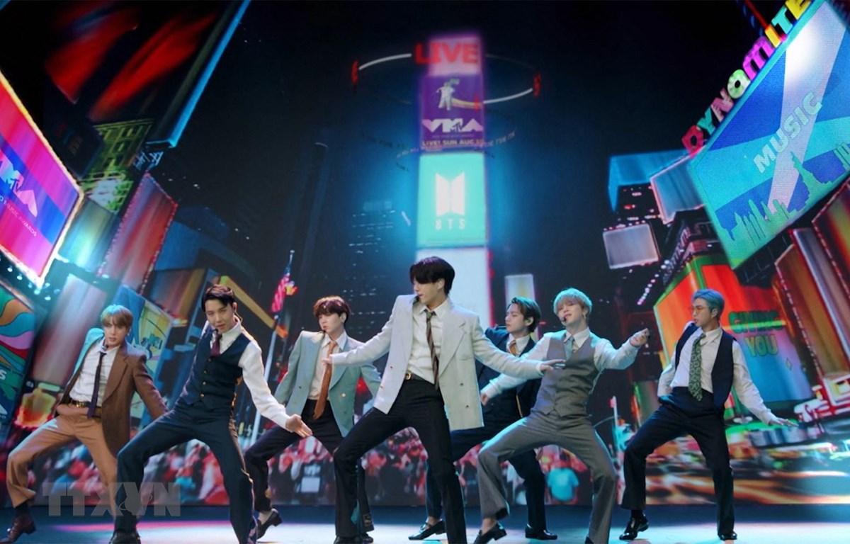 Nhóm nhạc đình đám BTS của Hàn Quốc. (Ảnh: YONHAP/TTXVN)