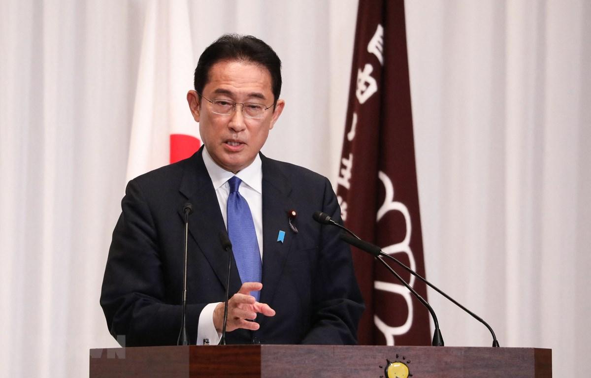 Tân Chủ tịch đảng Dân chủ Tự do (LDP) cầm quyền ở Nhật Bản, ông Fumio Kishida phát biểu tại cuộc họp báo ở Tokyo ngày 29/9/2021. (Ảnh: AFP/TTXVN)