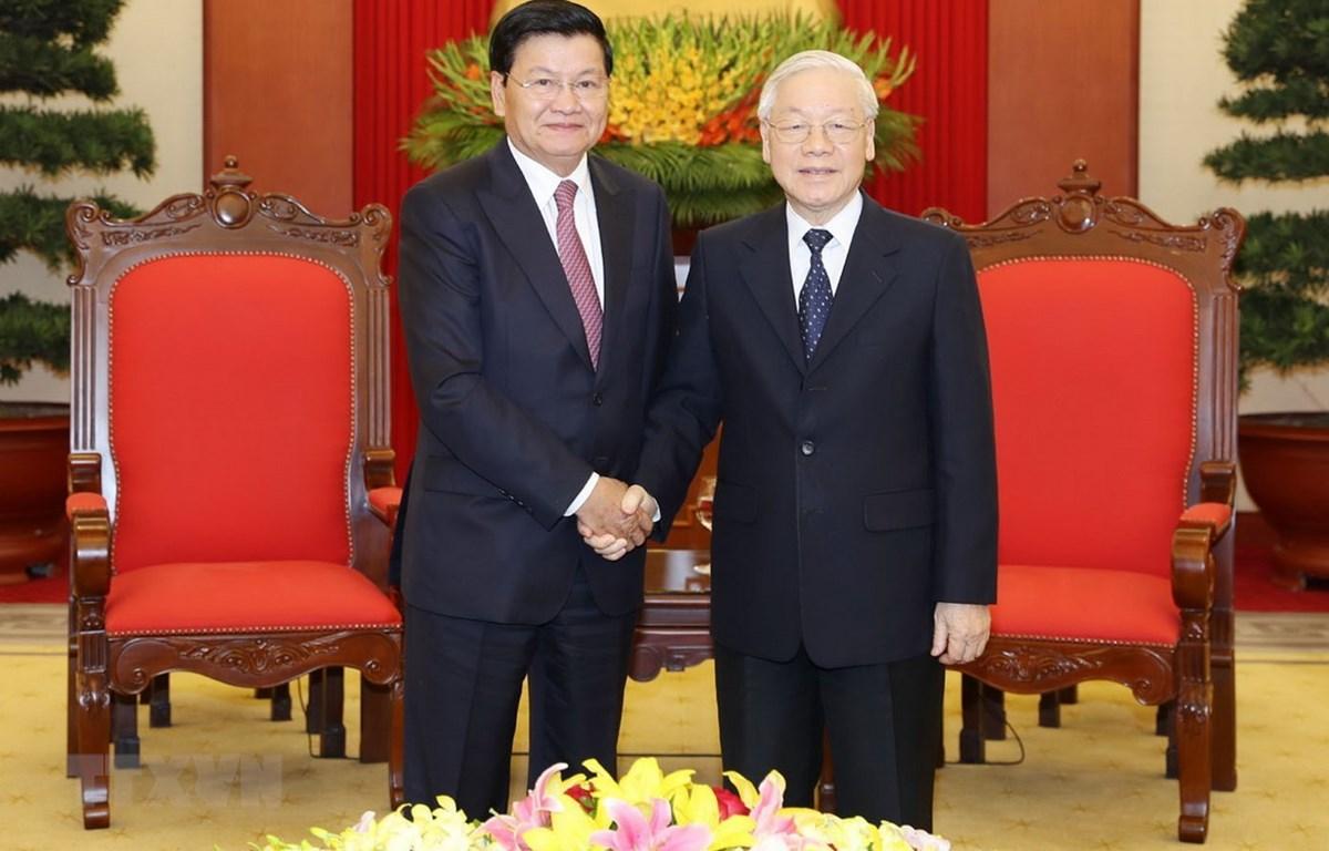 Tổng Bí thư, Chủ tịch nước Nguyễn Phú Trọng tiếp Thủ tướng Lào Thongloun Sisoulith. (Ảnh: Trí Dũng/ TTXVN)