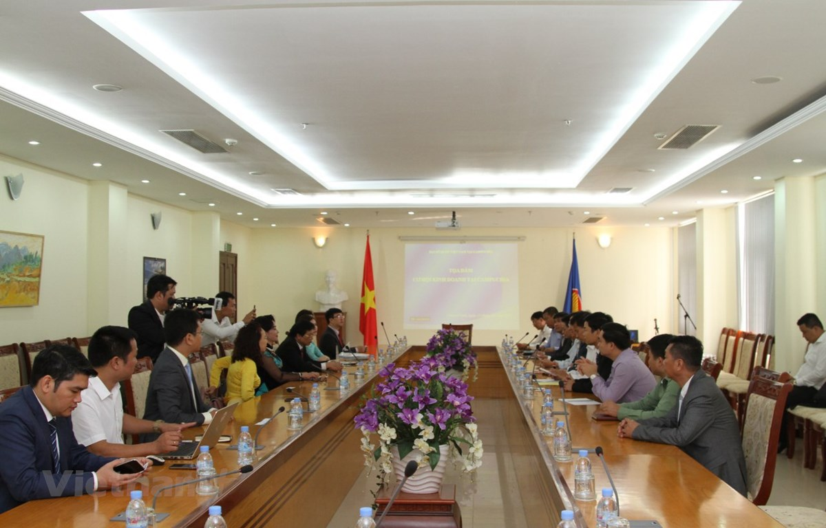 Quang cảnh buổi tọa đàm cơ hội kinh doanh ở Campuchia do Đại sứ quán Việt Nam tổ chức. (Ảnh: Trần Long/Vietnam+)