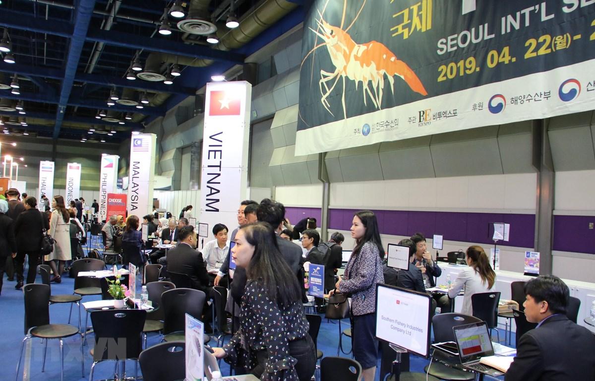 Khu vực gian hàng của các doanh nghiệp Việt Nam dự Hội chợ Thủy sản quốc tế Seoul 2019. (Ảnh: Hữu Tuyên/TTXVN)