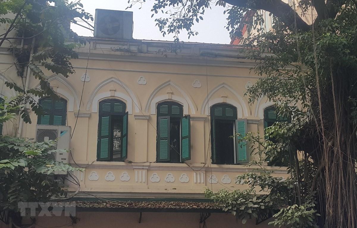 Tầng 2 ngôi nhà 16 phố Nhà Thờ được chỉnh trang lại tạo sự khang trang. (Ảnh: Đinh Thuận/TTXVN)