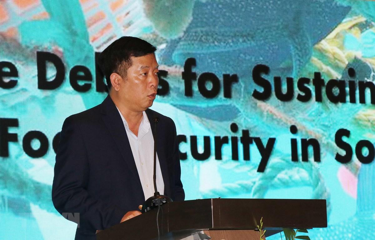 Ông Vũ Hồ, Vụ trưởng Vụ ASEAN, Bộ Ngoại giao Việt Nam phát biểu tại hội thảo. (Ảnh: Tiên Minh/TTXVN)