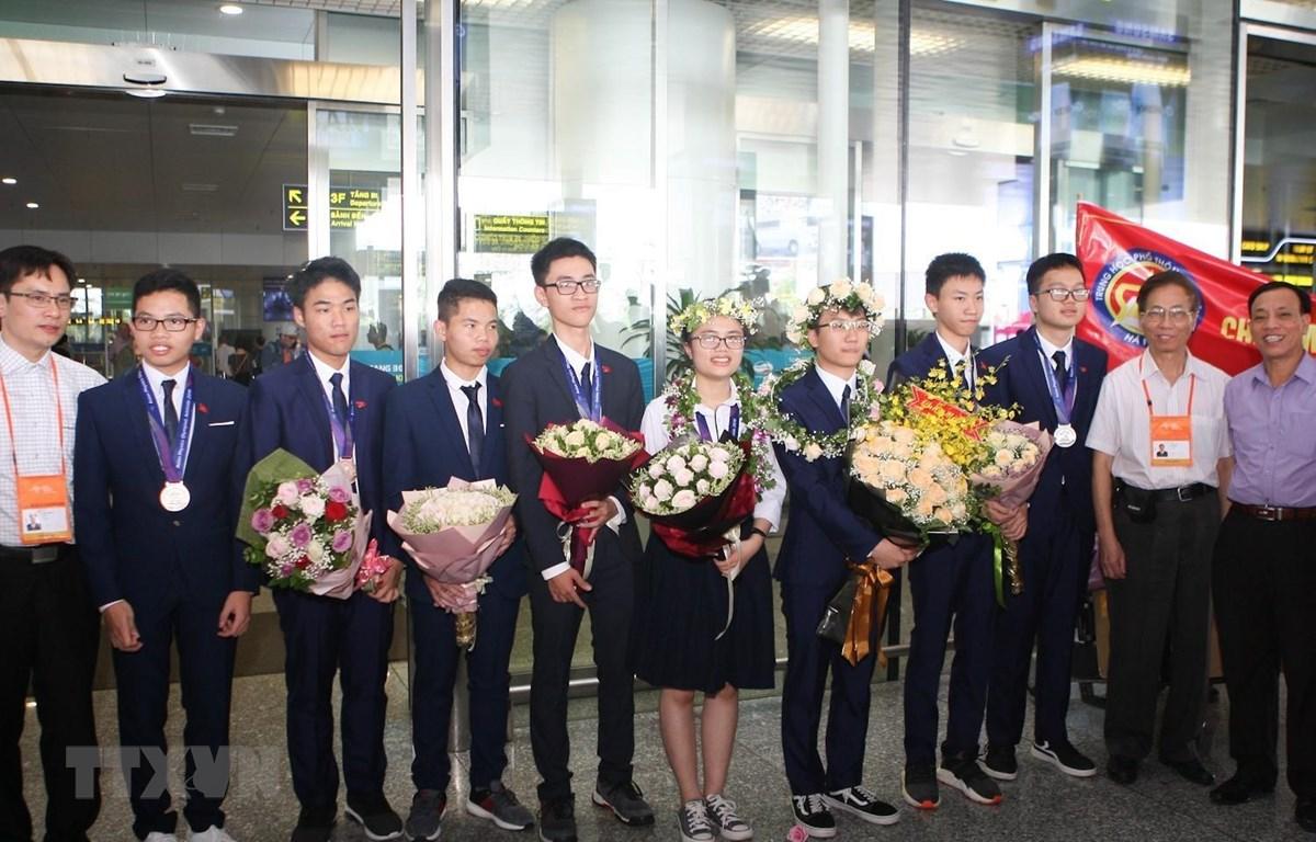 8 thí sinh đội tuyển quốc gia Việt Nam tham gia Olympic Vật lý châu Á lần thứ 20 năm 2019 đều đoạt giải. (Ảnh: Thanh Tùng/TTXVN)