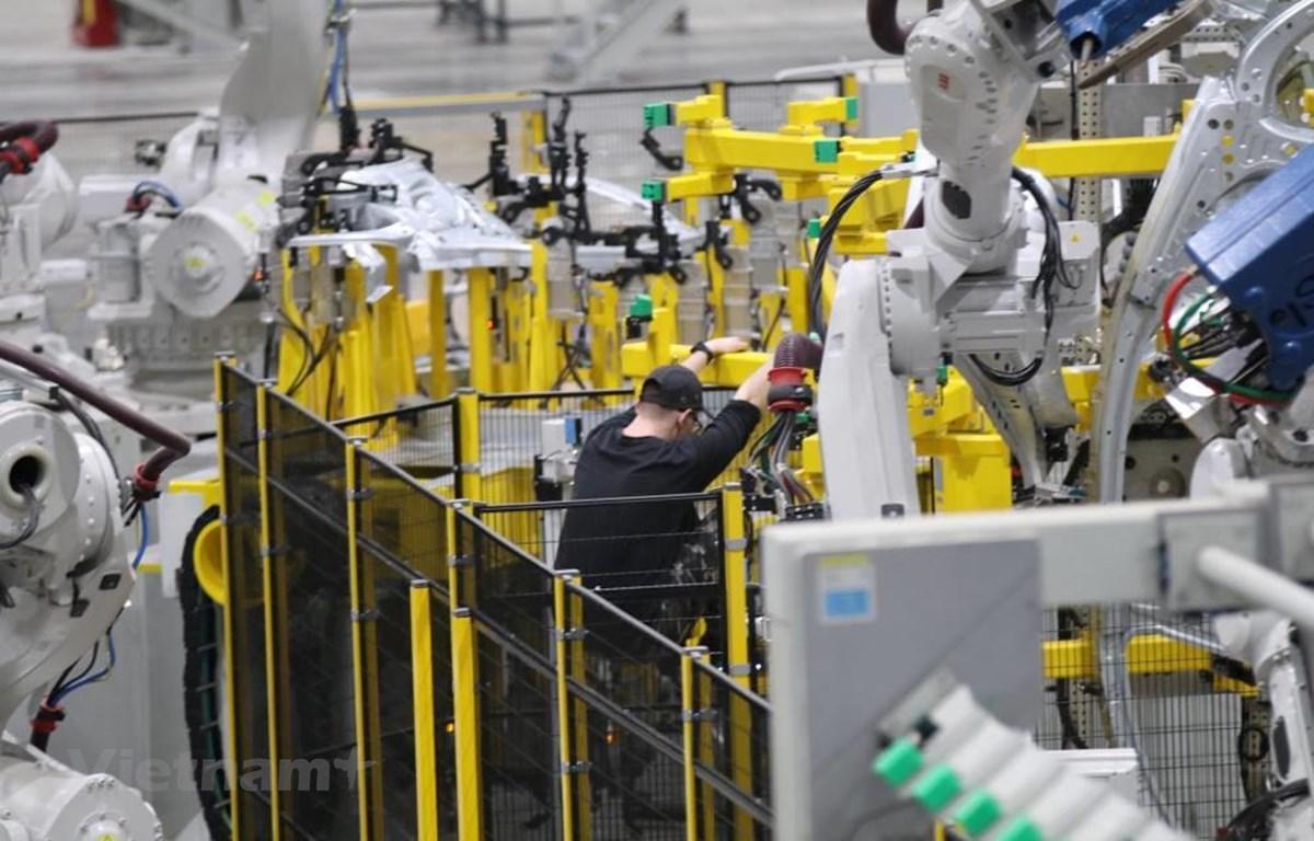Chỉ số sản xuất toàn ngành công nghiệp trong tháng Ba tăng 27,6% so với tháng Hai. (Ảnh minh họa. Nguồn: PV/Vietnam+)