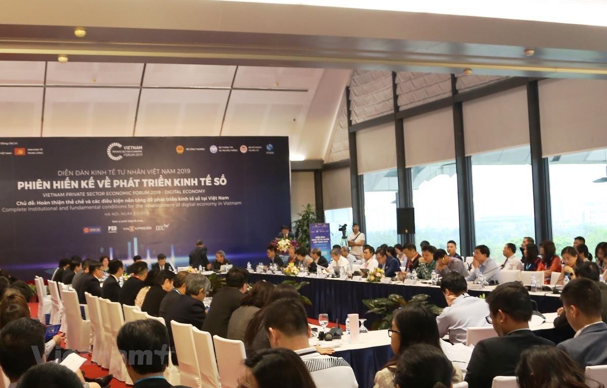 """Hội thảo """"Các mô hình kinh doanh mới và khởi nghiệp sáng tạo tại Việt Nam - Nút thắt và các kiến nghị,"""" ngày 2/5."""