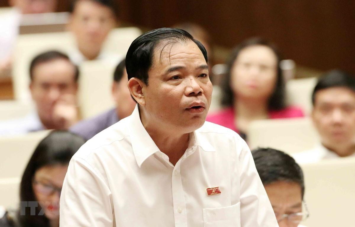 Bộ trưởng Bộ Nông nghiệp và Phát triển Nông thôn Nguyễn Xuân Cường, đại biểu Quốc hội tỉnh Bắc Kạn phát biểu. (Ảnh: Văn Điệp/ TTXVN)