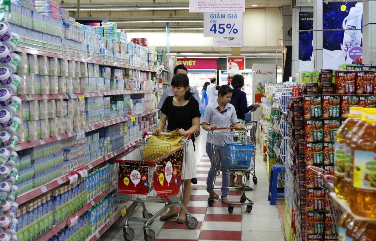 Nhiều mặt hàng cùng lên giá khiến CPI trong tháng Bảy tăng 0,18%. (Ảnh minh họa. Nguồn: TTXVN)
