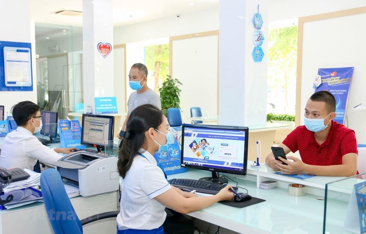 VNPT đảm bảo quy tắc phòng dịch trong hoạt động sản xuất kinh doanh. (Ảnh: T.Q/Vietnam+)