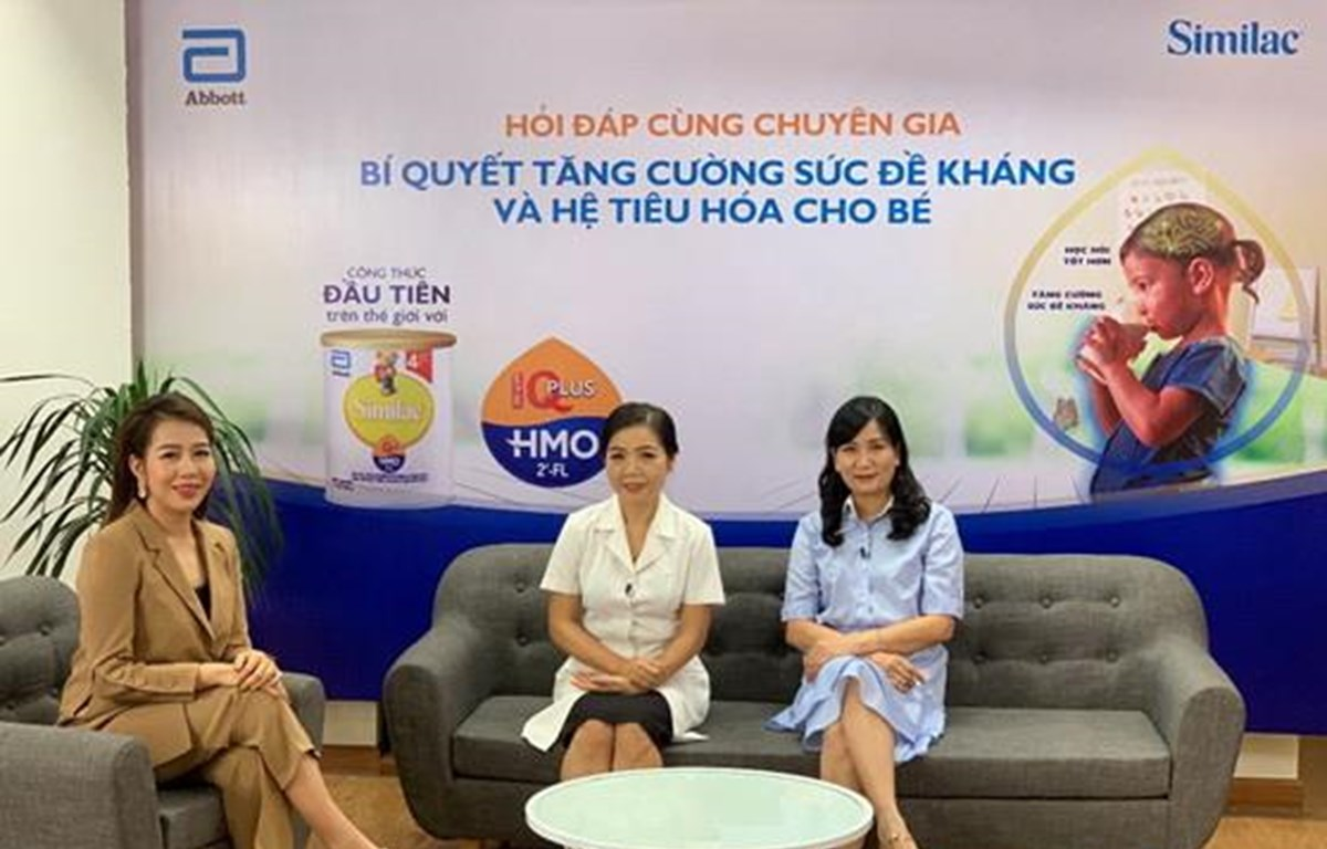 Chương trình có sự tham gia MC Diệp Chi và sự tư vấn của bác sỹ Lê Bạch Mai - Nguyên Phó Viện Trưởng tại Viện Dinh Dưỡng Quốc Gia.