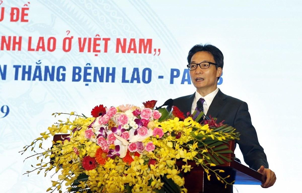 Phó Thủ tướng Chính phủ Vũ Đức Đam phát biểu tại hội nghị. (Ảnh: Dưong Ngọc/TTXVN)