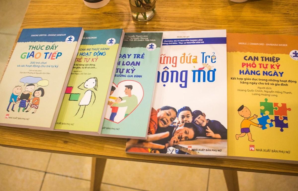Series sách cho trẻ tự kỷ xuất bản lần đầu gồm 5 cuốn. (Ảnh: Lê Hoàng/Vietnam+)