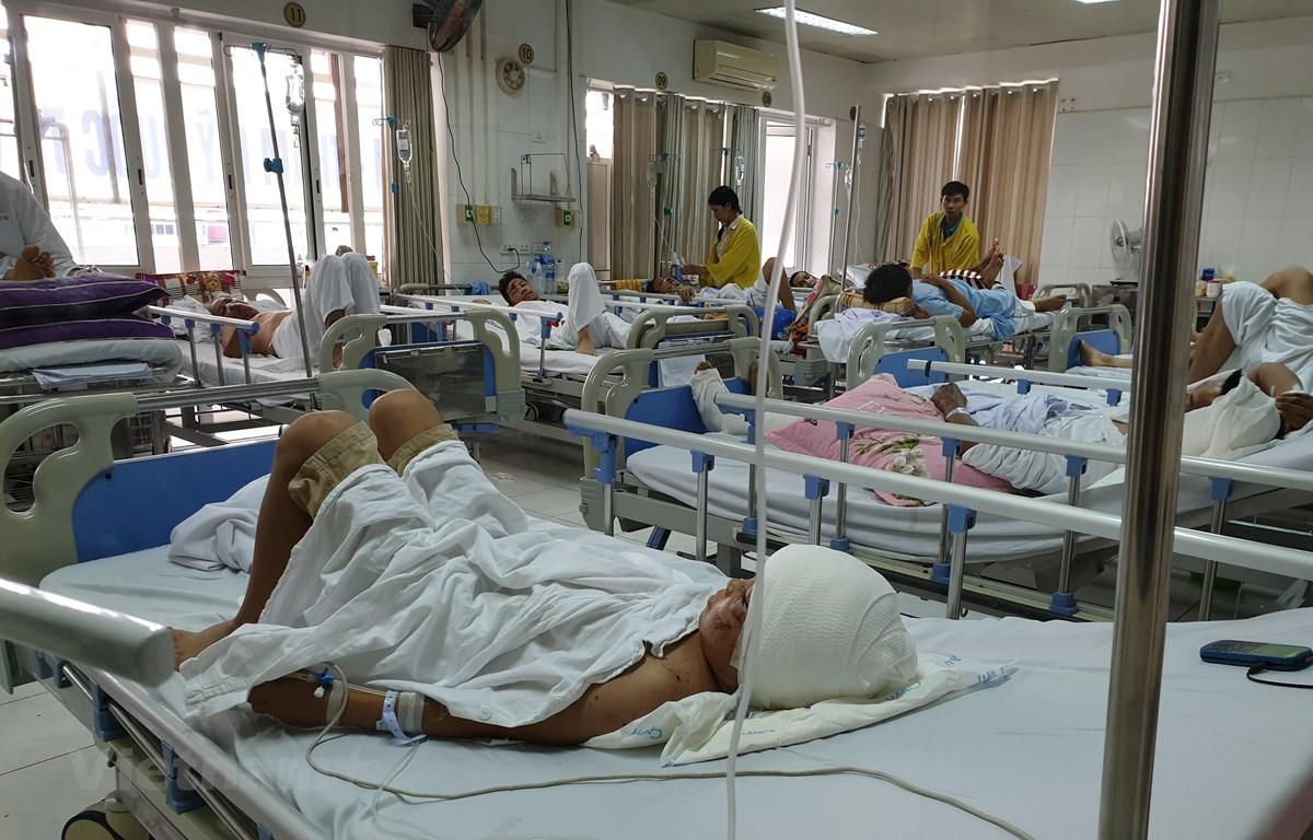Bệnh nhân đang điều trị tại Bệnh viện Hữu nghị Việt Đức. (Ảnh: PV/Vietnam+)