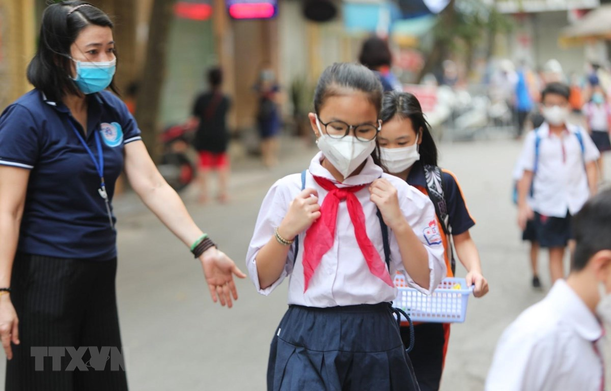 Học sinh trên cả nước đi học sau khi dịch bệnh COVID-19 được đẩy lùi. (Ảnh: Thành Đạt/TTXVN)