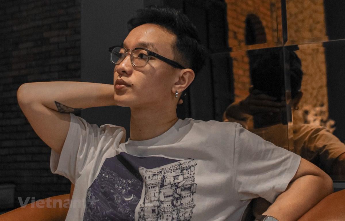 Ca sỹ Hoàng Dũng. (Ảnh: Thoa Chu/Vietnam+)