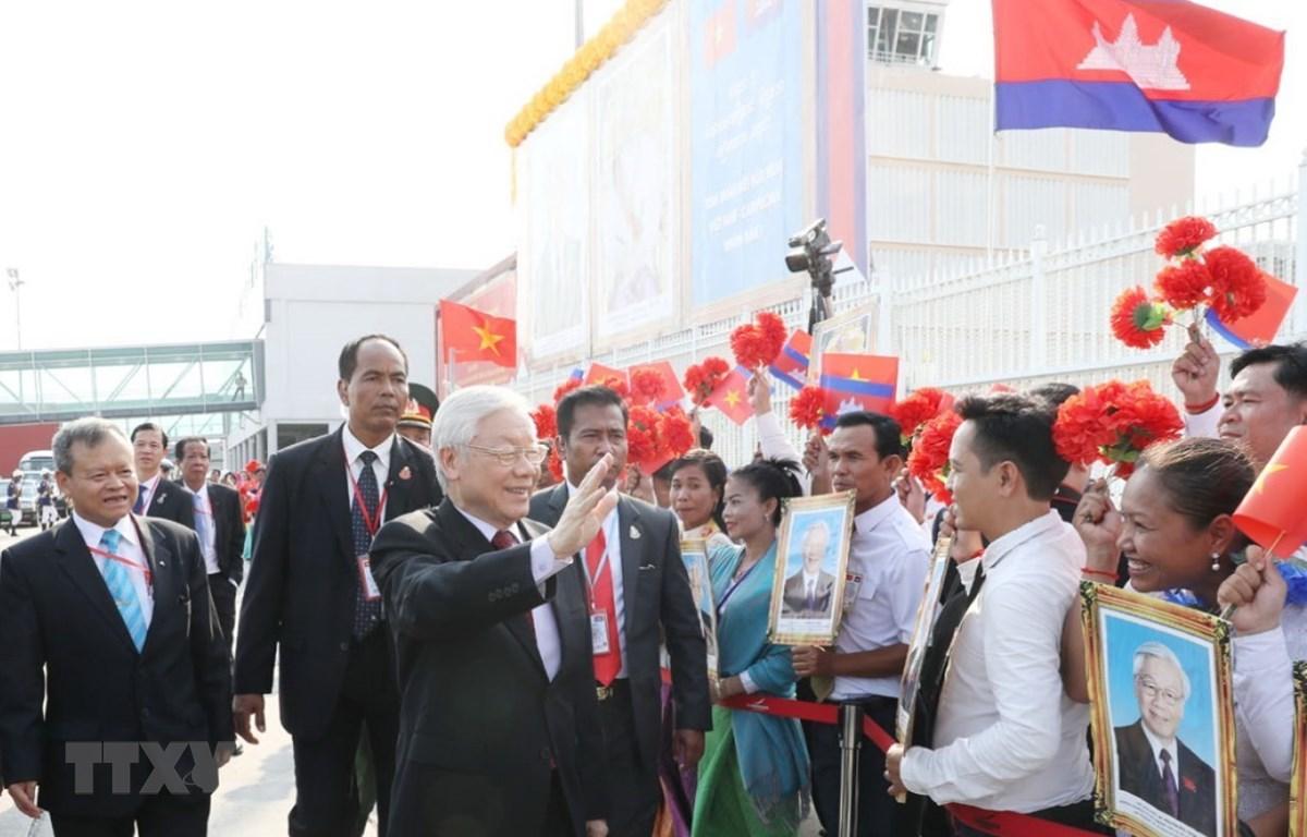 Lễ đón Tổng Bí thư, Chủ tịch nước Nguyễn Phú Trọng tại Sân bay Quốc tế Pochentong ở Thủ đô Phnom Penh. (Ảnh: Trí Dũng/TTXVN)