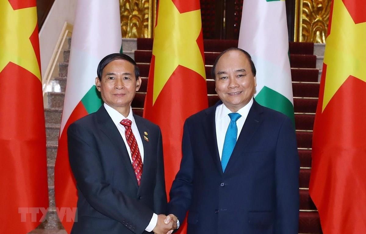 Thủ tướng Nguyễn Xuân Phúc tiếp Tổng thống Cộng hòa Liên bang Myanmar Win Myint sang thăm Việt Nam và dự Đại lễ Phật đản Liên hợp quốc lần thứ 16 - Vesak 2019. (Ảnh: Thống Nhất/TTXVN)