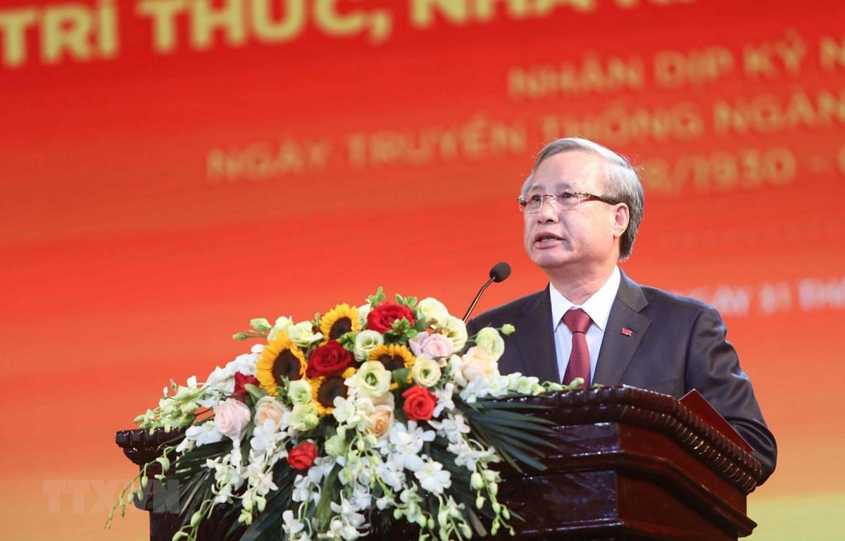 Ủy viên Bộ Chính trị, Thường trực Ban Bí thư Trần Quốc Vượng phát biểu tại hội nghị. (Ảnh: Thanh Tùng/TTXVN)
