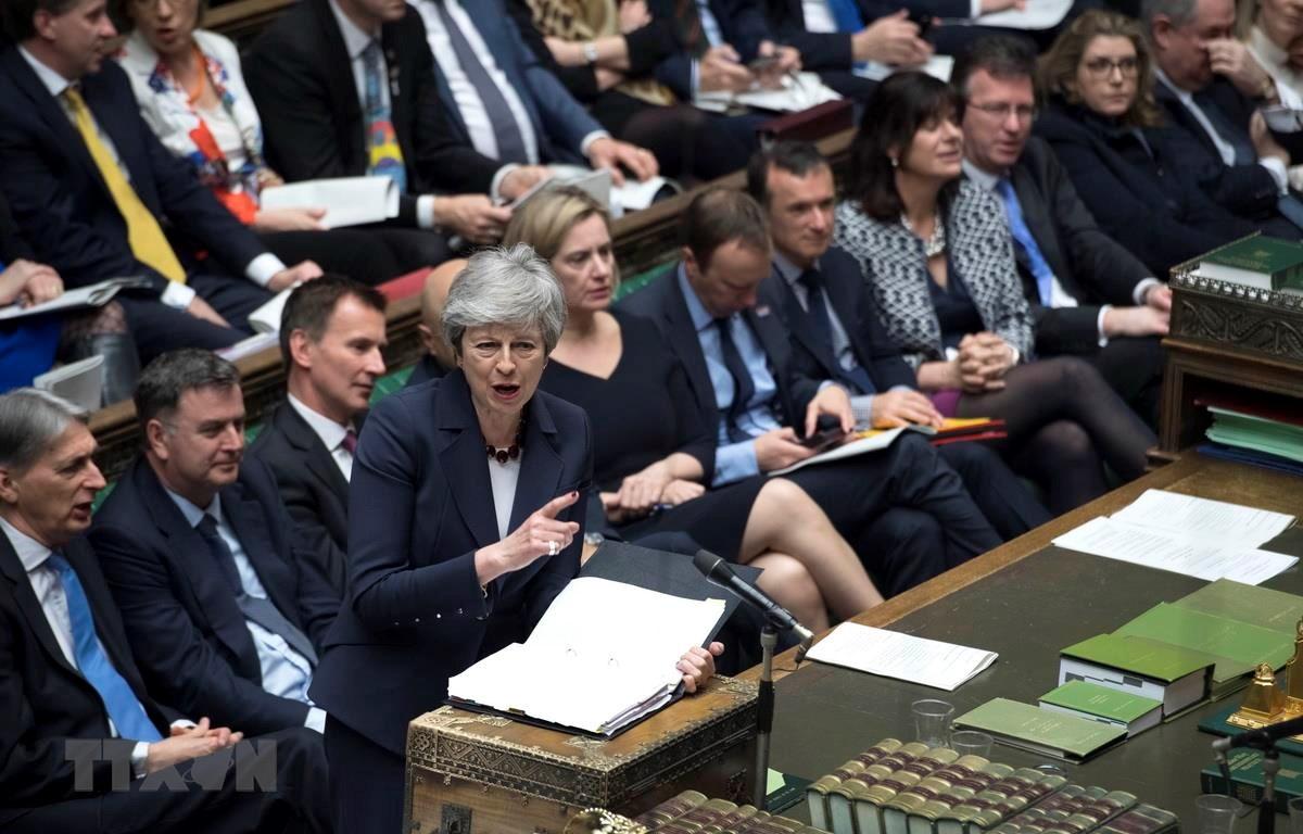 Thủ tướng Anh Theresa May phát biểu tại một phiên họp của Hạ viện ở London. (Ảnh: THX/TTXVN)