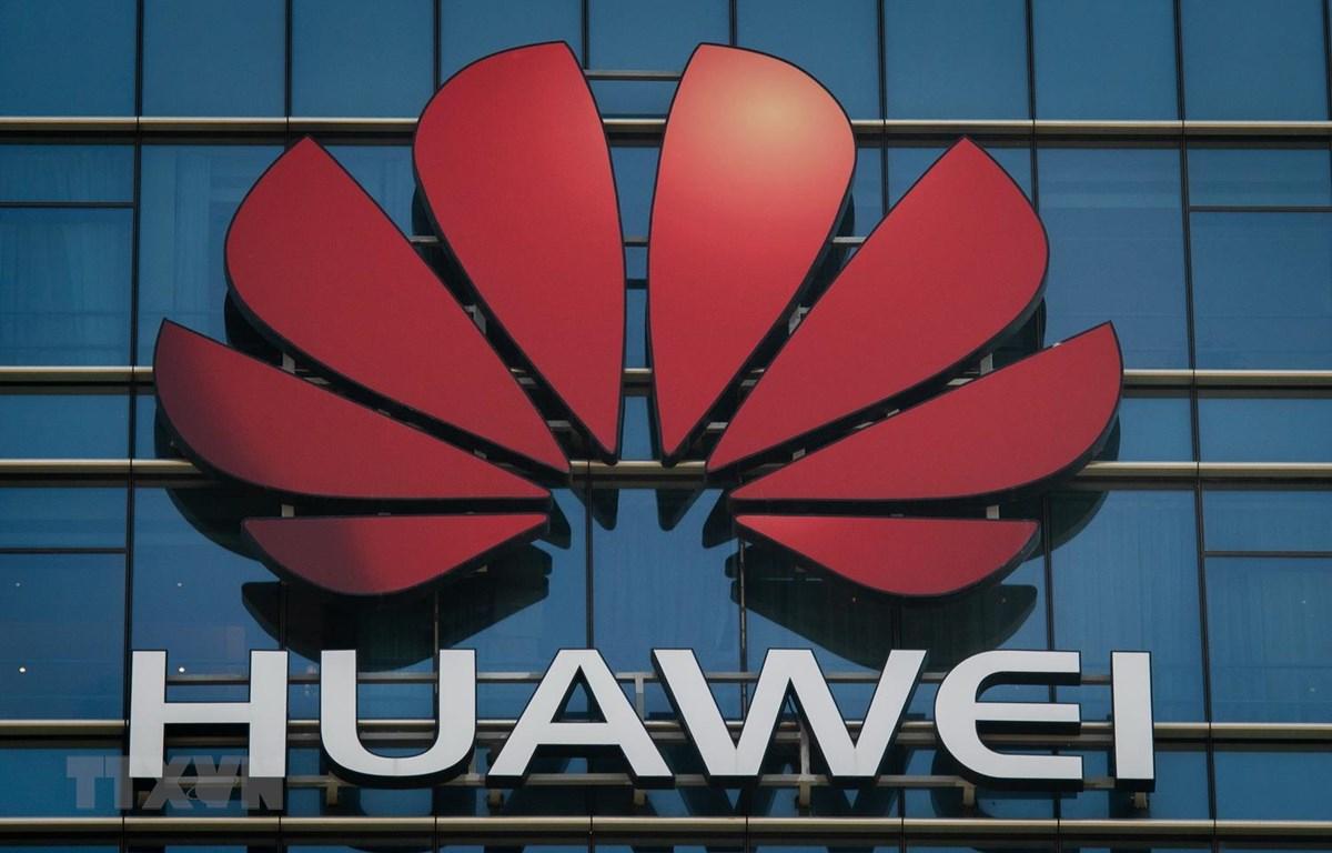 Biểu tượng của Huawei. (Ảnh: AFP/TTXVN)