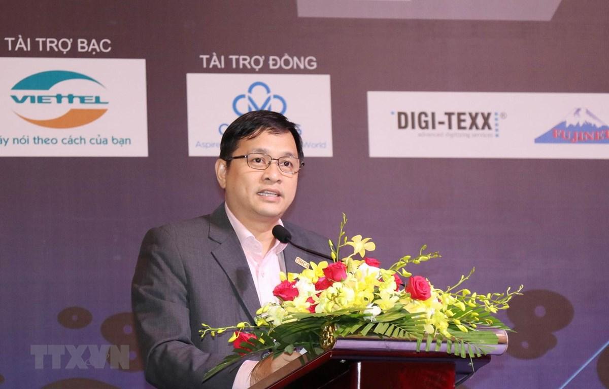 Chủ tịch Hội Tin học Thành phố Hồ Chí Minh Lâm Nguyễn Hải Long phát biểu tại buổi họp mặt. (Ảnh: Tiến Lực/TTXVN)