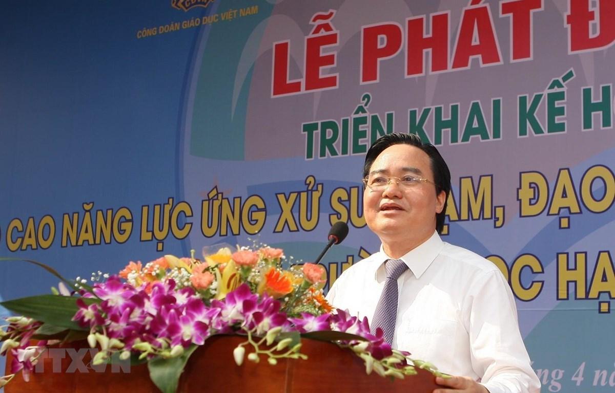Bộ trưởng Bộ Giáo dục và Đào tạo Phùng Xuân Nhạ phát biểu tại lễ phát động. (Ảnh: Thanh Tùng/TTXVN)