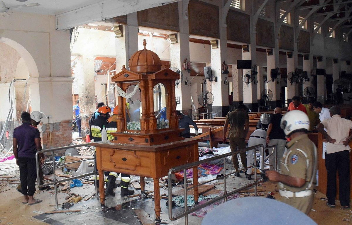 Hiện trường vụ nổ tại nhà thờ St. Anthony ở Kochchikade, Colombo, Sri Lanka, ngày 21/4. (Ảnh: THX/TTXVN)