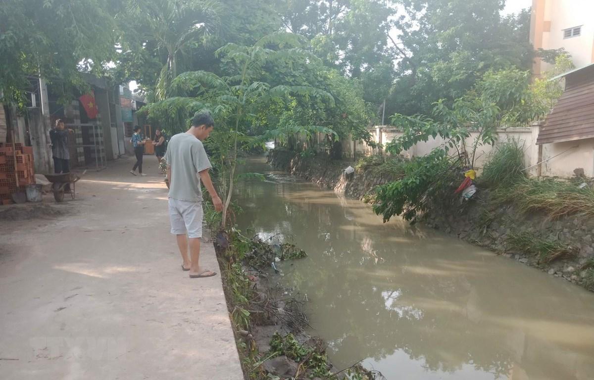 Suối Bà Lúa nơi xảy ra vụ tai nạn nước thường dâng cao gây ngập đường vào những khi trời mưa lớn. (Ảnh: Sỹ Tuyên/TTXVN)