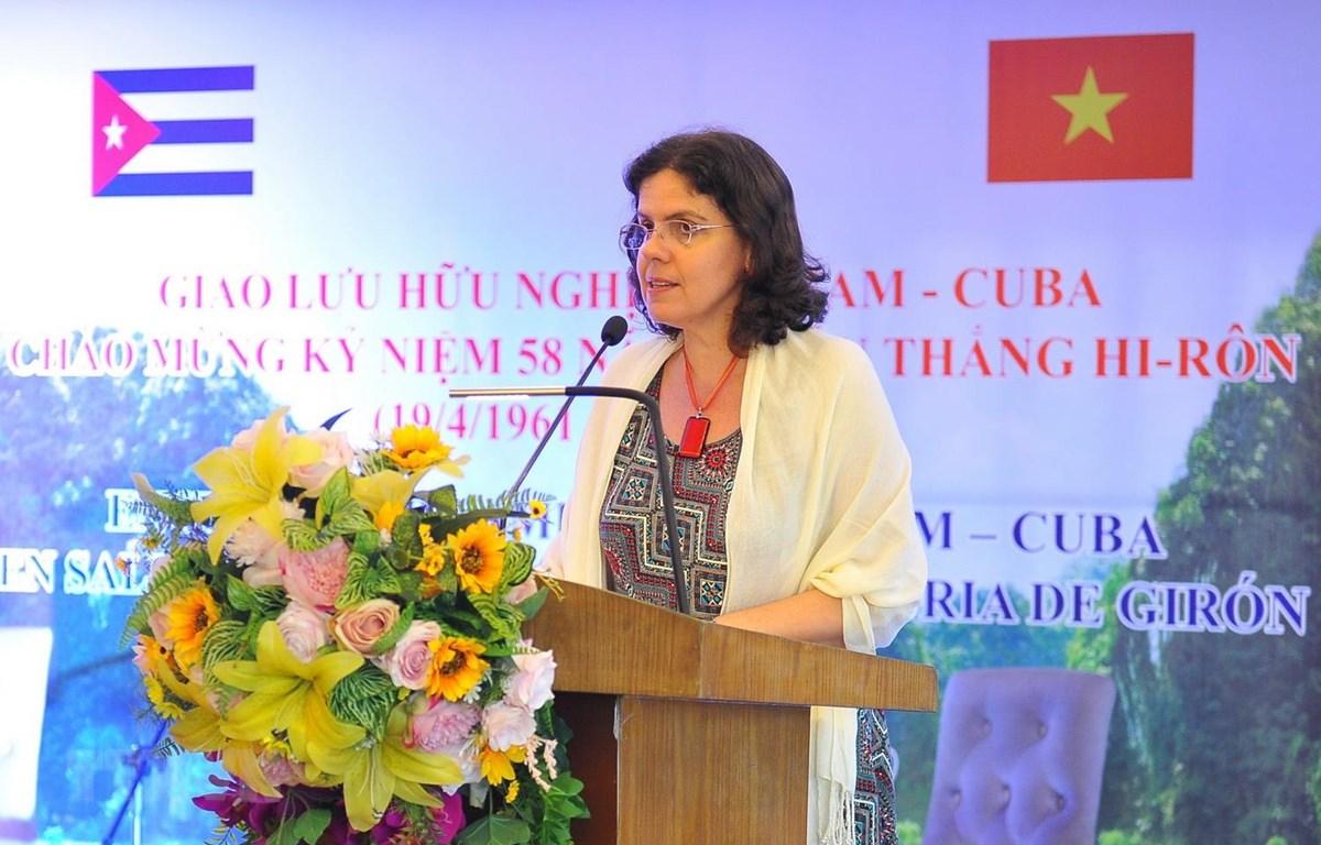 Đại sứ Cuba tại Việt Nam Lianys Torres Rivera phát biểu tại buổi giao lưu. (Ảnh: Minh Đức/TTXVN)