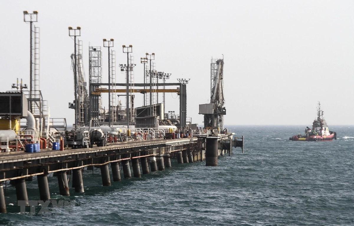 Cơ sở khai thác dầu trên đảo Khark, Iran. (Ảnh:AFP/TTXVN)