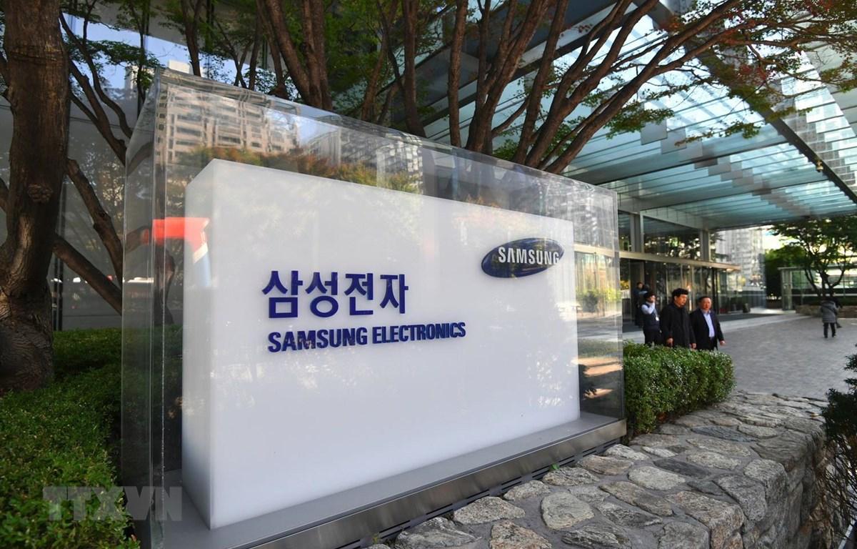 Biểu tượng Samsung tại trụ sở ở thủ đô Seoul, Hàn Quốc, ngày 31/10/2018. (Ảnh: AFP/TTXVN)