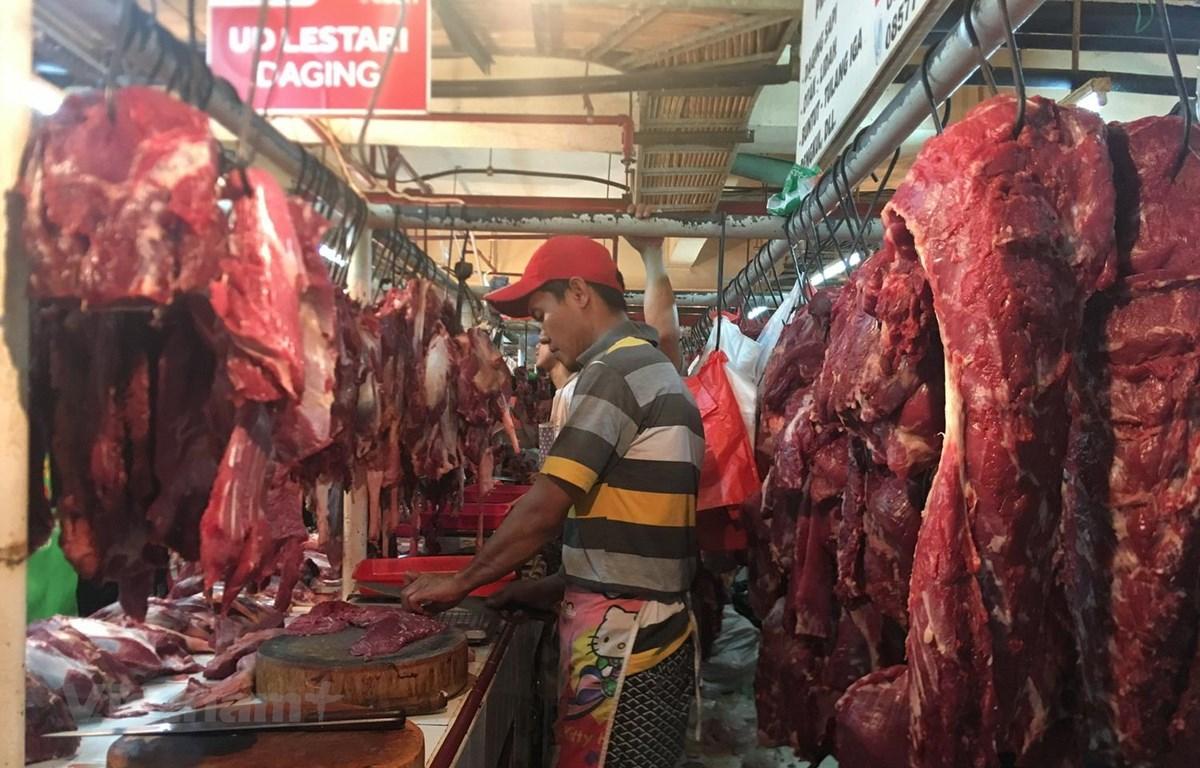 Chợ thực phẩm trước ngày lễ Lebaran đầy ắp hàng hóa. (Ảnh: Đỗ Quyên/Vietnam+)