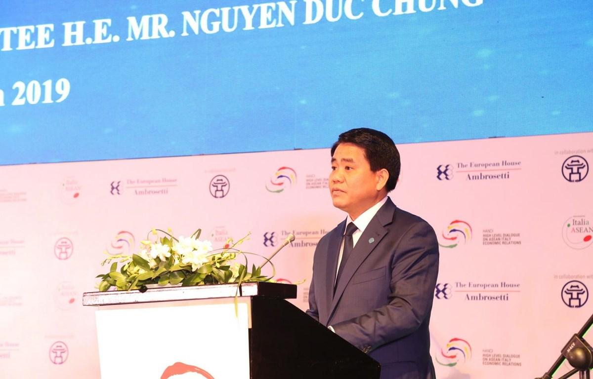 Chủ tịch UBND thành phố Hà Nội Nguyễn Đức Chung phát biểu. (Ảnh: Nguyễn Thắng/TTXVN)