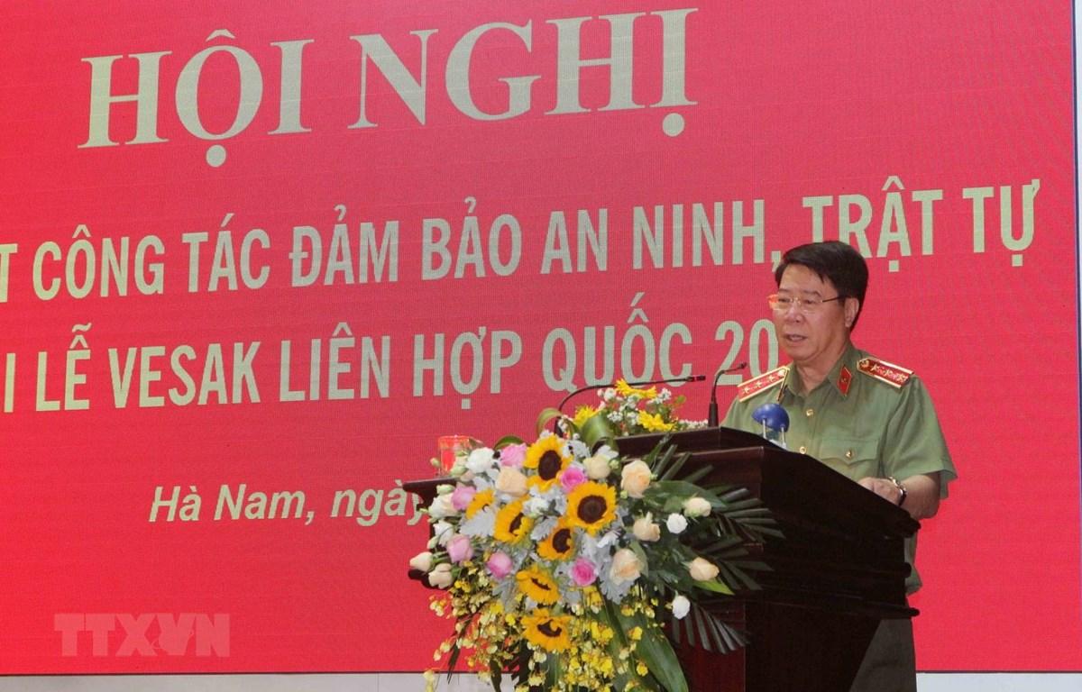 Thượng tướng Bùi Văn Nam, Thứ trưởng Bộ Công an phát biểu tại Hội nghị. (Ảnh: Nguyễn Chinh/TTXVN)
