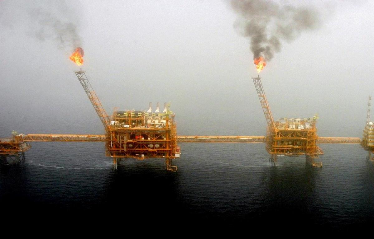 Sản xuất dầu ở phía nam của Tehran của Iran. (Nguồn: Reuters)