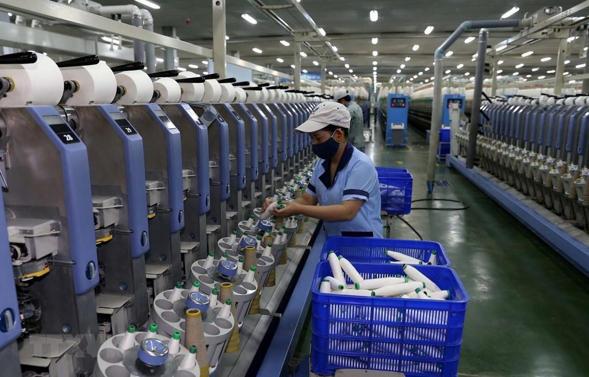 Dây chuyền sản xuất sợi tại nhà máy của Công ty Cổ phần Dệt sợi Đam San. (Ảnh: Vũ Sinh/TTXVN)