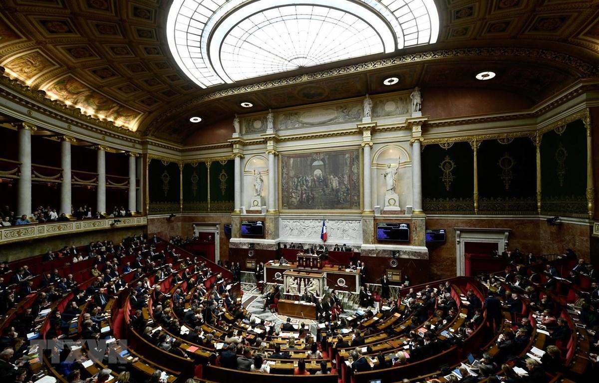 Toàn cảnh một phiên họp Quốc hội Pháp ở thủ đô Paris. (Ảnh: AFP/TTXVN)