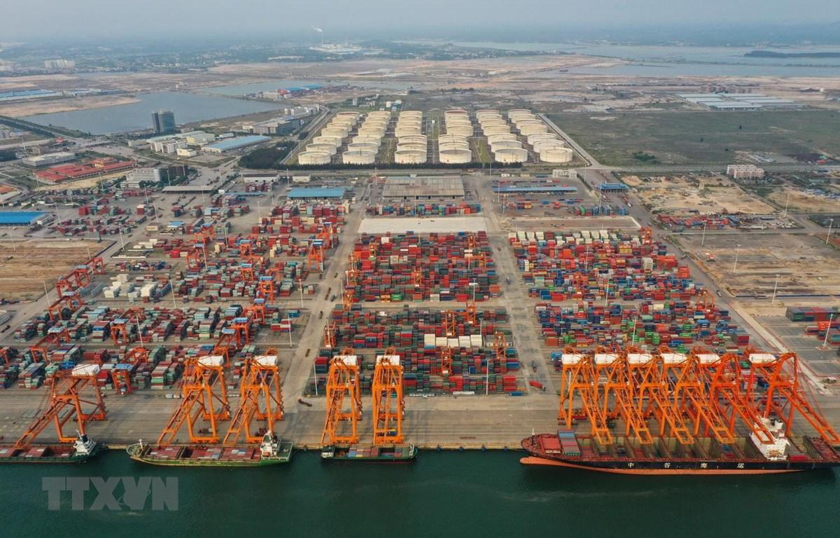 Cảng hàng hóa Khâm Châu, Khu tự trị Choang Quảng Tây của Trung Quốc. (Ảnh: THX/TTXVN)