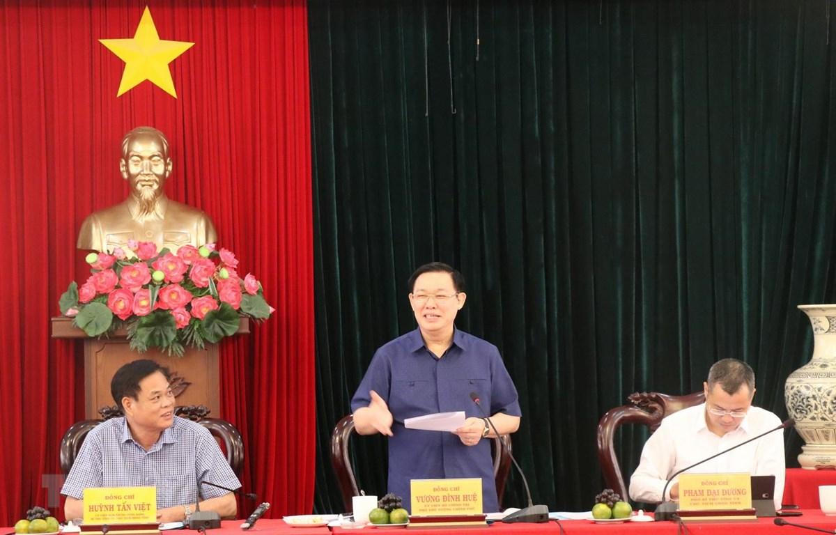 Phó Thủ tướng Chính phủ Vương Đình Huệ phát biểu tại buổi làm việc với lãnh đạo tỉnh Phú Yên. (Ảnh: Phạm Cường/TTXVN)