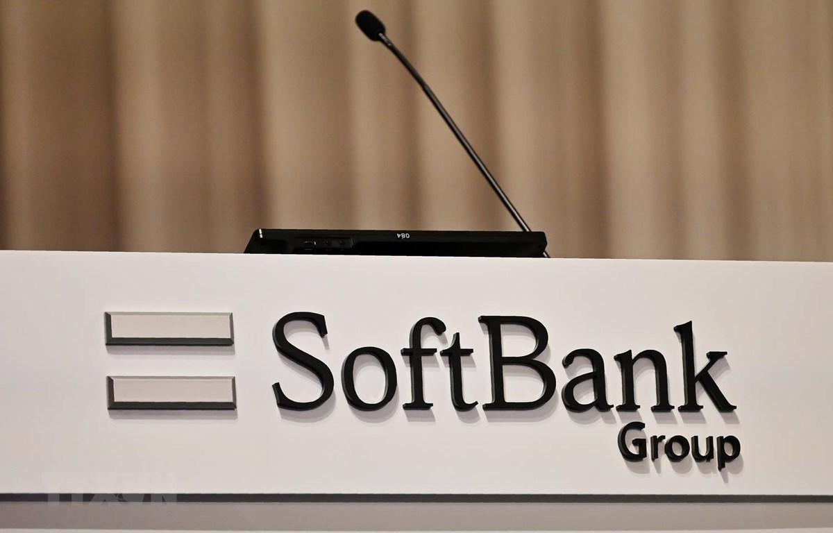 Biểu tượng SoftBank tại Tokyo của Nhật Bản. (Ảnh: AFP/TTXVN)