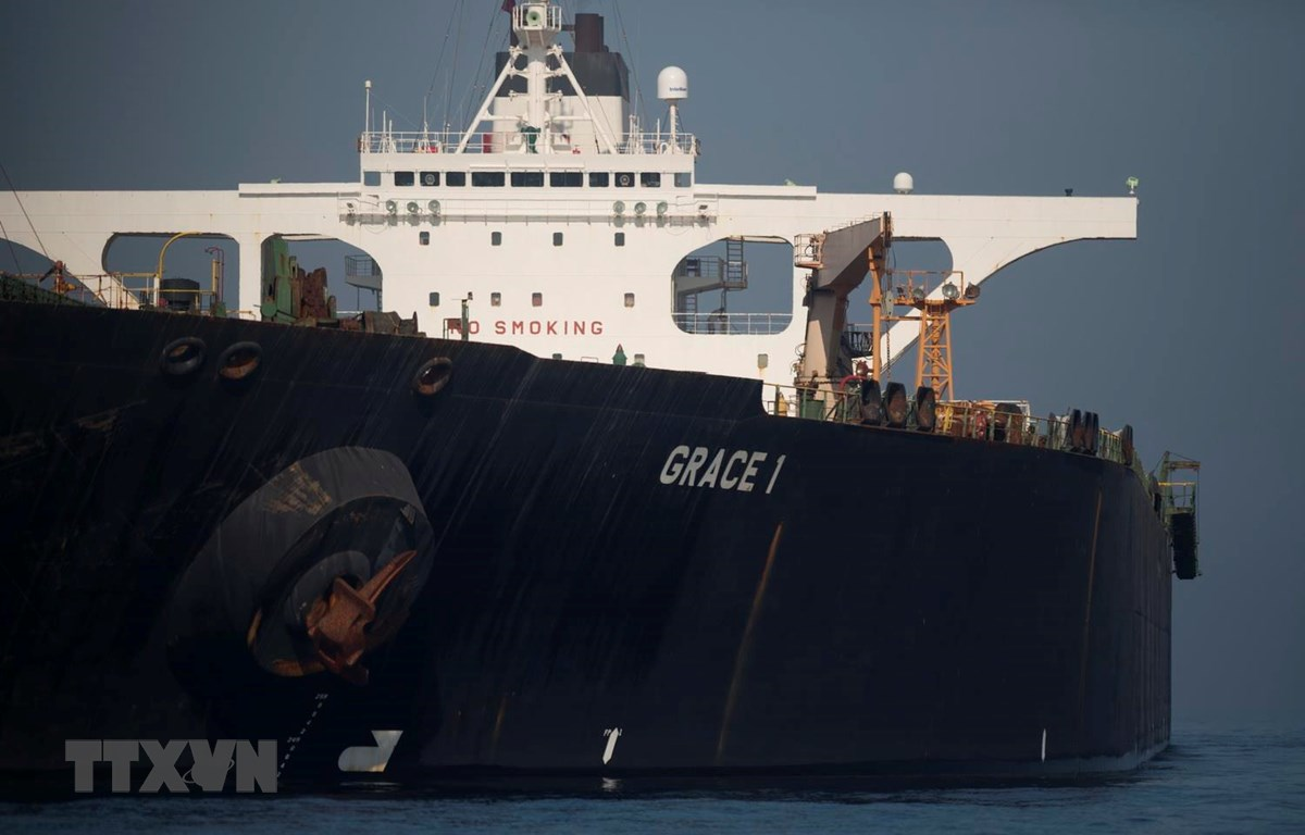 Tàu chở dầu Grace 1 của Iran ở ngoài khơi bờ biển Gibraltar ngày 15/8 vừa qua. (Ảnh: AFP/TTXVN)
