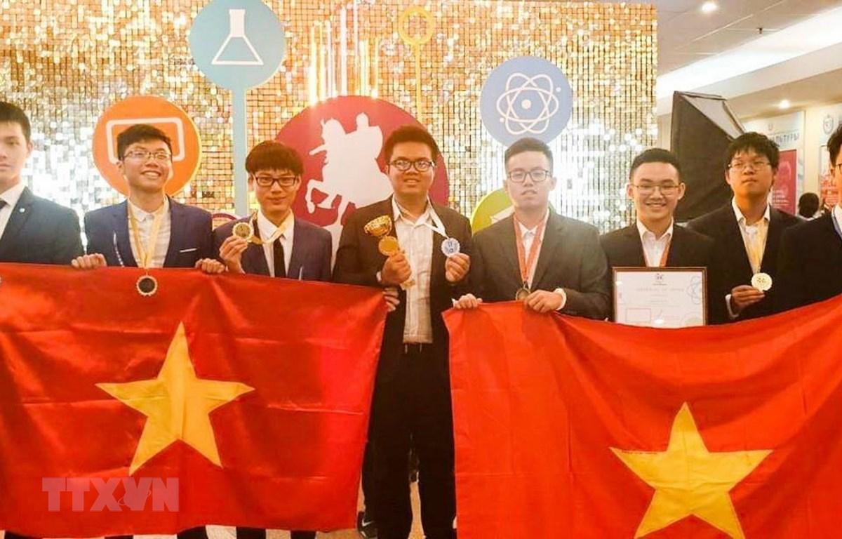 Đoàn Việt Nam đạt thành tích ấn tượng với 3 huy chương vàng, 3 huy chương bạc, 2 huy chương đồng. Ảnh: TTXVN phát