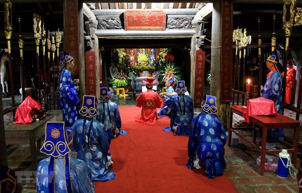 Lễ khai chỉ tại lễ hội thu chùa Keo năm 2019. (Ảnh: Thế Duyệt/TTXVN)