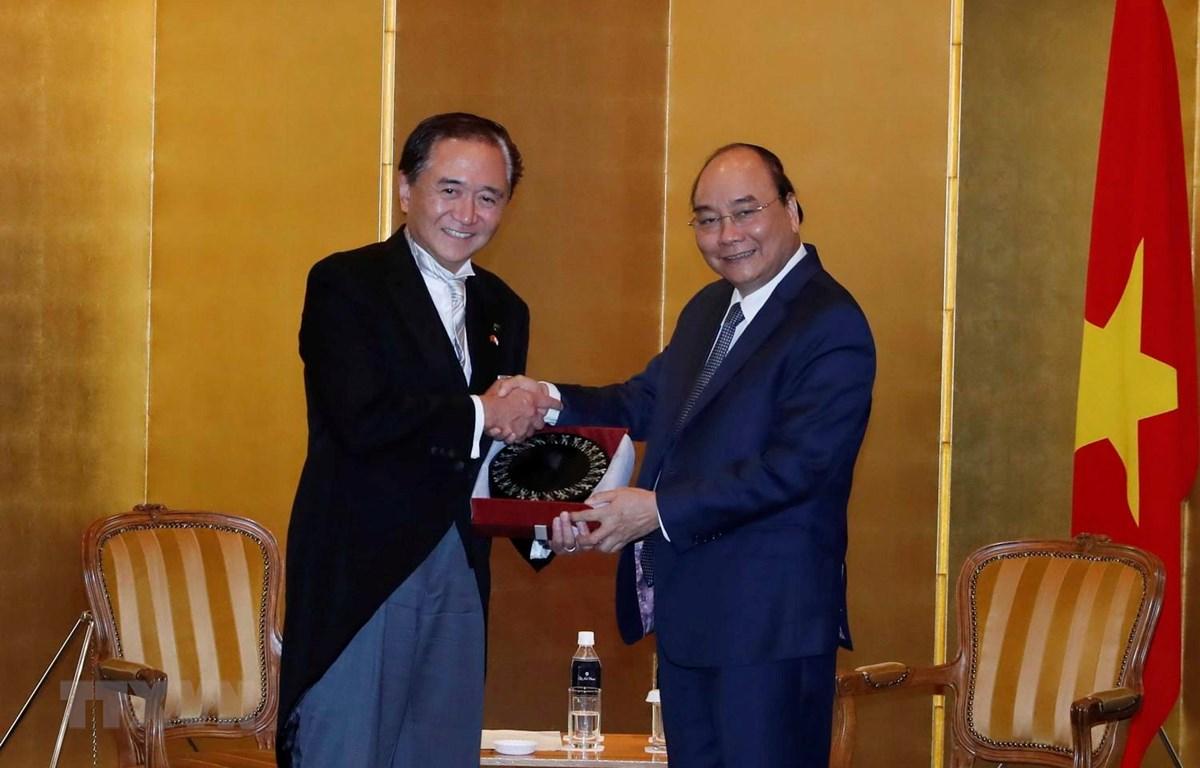 Thủ tướng Nguyễn Xuân Phúc tiếp ông Yuji Kuroiwa, Thống đốc tỉnh Kanagawa. (Ảnh: Thống Nhất/TTXVN)