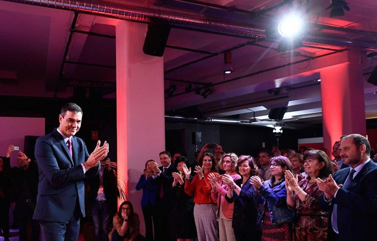 Nhà lãnh đạo của Đảng Công nhân Xã hội Tây Ban Nha, Pedro Sanchez, vận động tranh cử ở Madrid vào tháng Chín vừa qua.  (Nguồn: Getty Images)